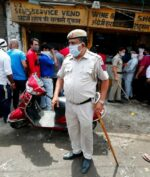 Lockdown Dilonggarkan, Warga India Ricuh Beli Alkohol