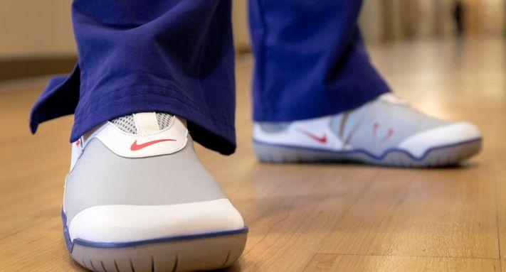 Nike Donasikan Sepatu 'Berdesain Khusus' Bagi Para Tenaga Medis