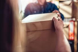 Terima Paket dari Belanja Online, Ikut Tips Ini Biar Aman!