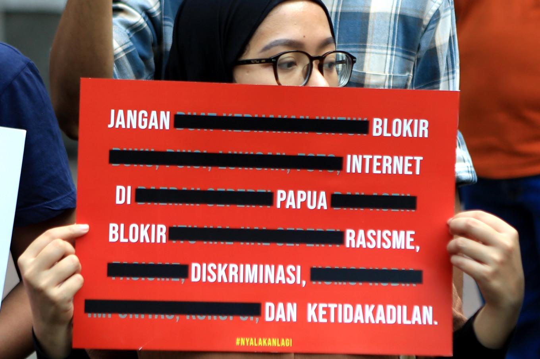 Jokowi dan Menkominfo Terbukti Langgar Hukum Karena Memblokir Internet Papua