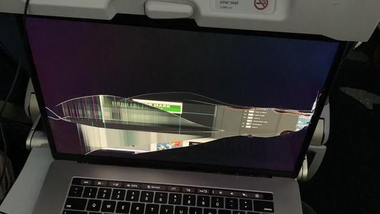 Laptop Rusak, Murid di Nganjuk Terpaksa Tinggal Kelas! Begini Kronologinya!