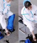 Petugas Kesehatan Rela Bekerja Hingga Banjir Keringat (Weibo via Daily Mail)