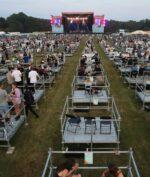 Konser Social Distancing Pertama di Inggris Sukses Digelar, Ini Dia Penampakannya!