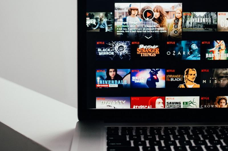 Netflix Bakal Bikin Film Original Bareng Nia Dinata