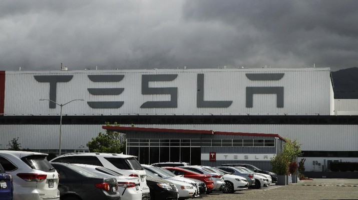 Tesla Bangun Pabrik di Jawa Tengah (AP/Ben Margot)