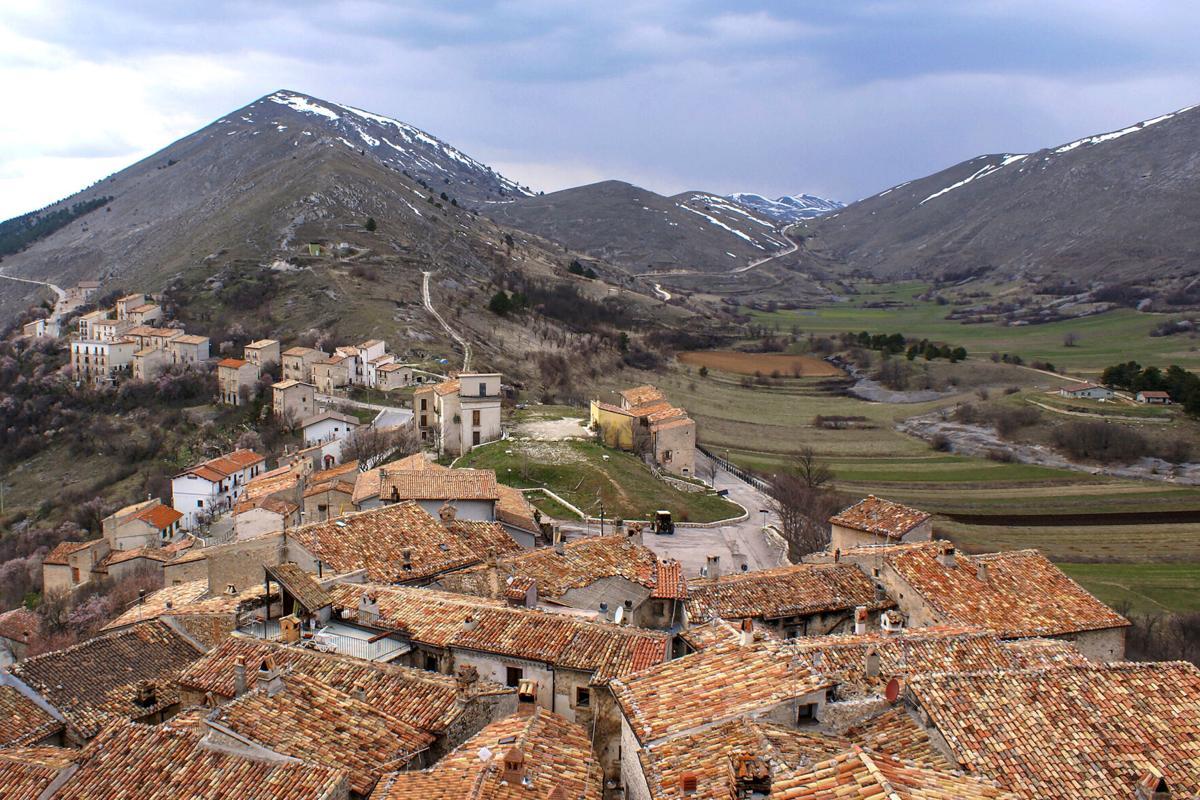 Desa Indah di Italia Siap Bayar Calon Penduduk Mereka, Tertarik?