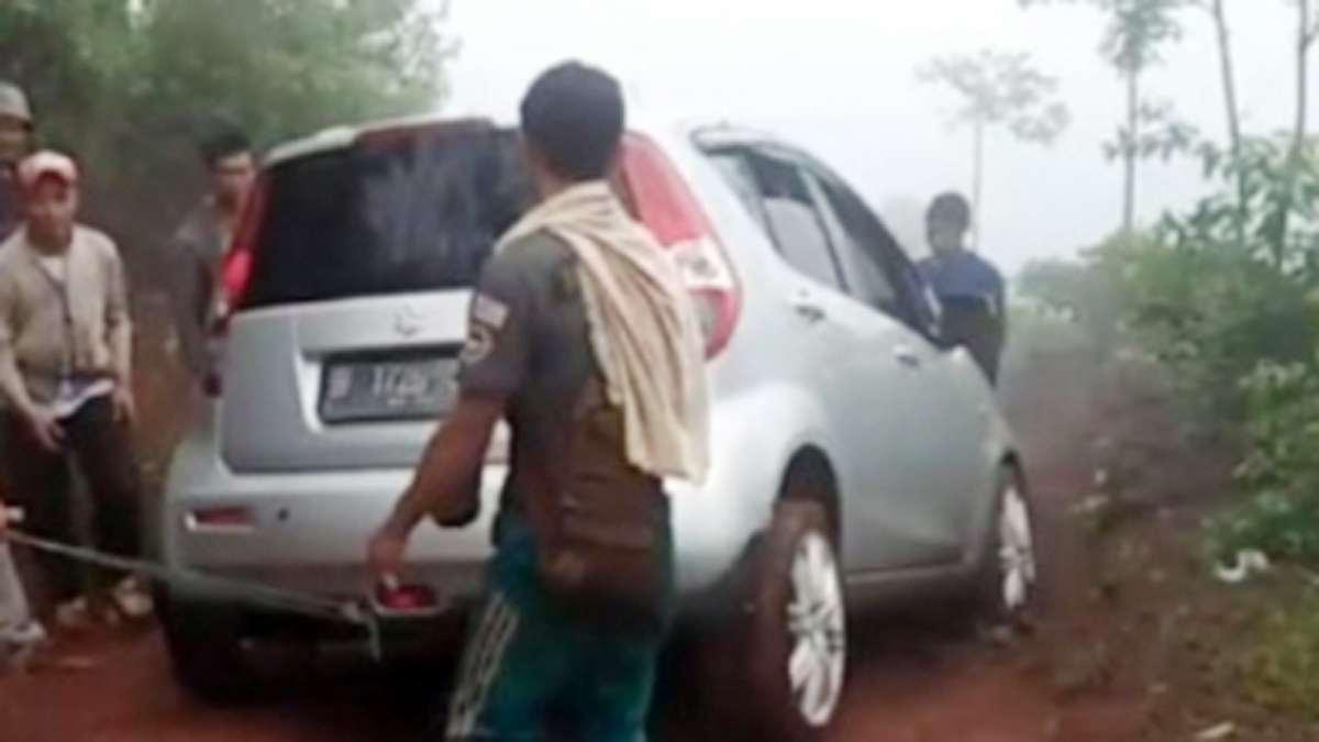 Niat ke Cikuya, warga Jakarta malah terjebak di hutan selama 10 jam