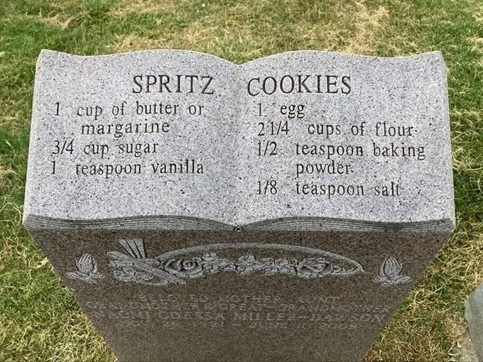 Kisah Unik Batu Nisan Bertuliskan Resep Kue, Ternyata Simpan Makna Mengharukan