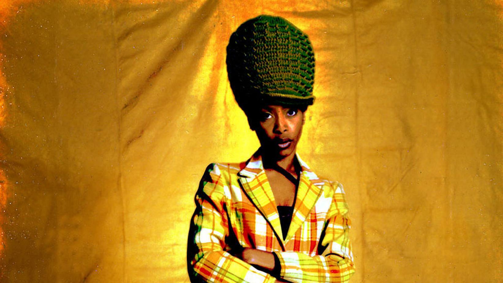 Hasil Tes Covid-19 Aneh Erykah Badu: Hidung Kiri Positif, Kanan Negatif (Grammy)