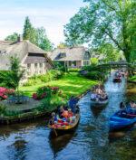 Inilah Desa Terbersih di Dunia, Bebas Sampah dan Tanpa Jalan Raya (Via: privatetaxitours.amsterdam)