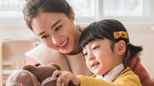 Selamat Hari Ibu, Ini 3 Drakor Perjuangan Ibu yang Bikin Lo Mewek!
