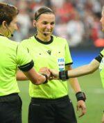 Stephanie Frappart, Wasit Wanita Pertama yang Akan Pimpin Laga UEFA Champions LeaguePria!