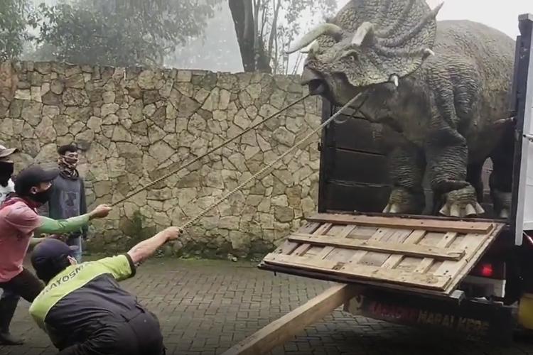 Dinosaurus Magetan Viral di Media Sosial, Muncul Dari Mana?