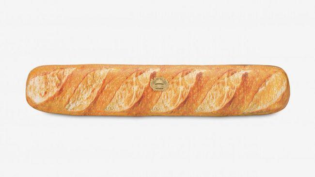 Moschino Rilis Koleksi Tas Mirip Roti Perancis