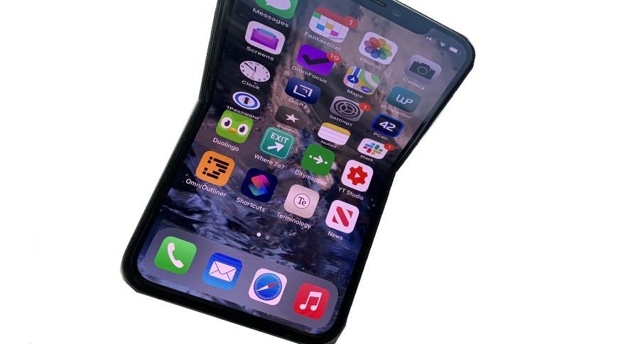 iPhone Lipat Tengah Dikembangkan Apple, Meluncur 2022?