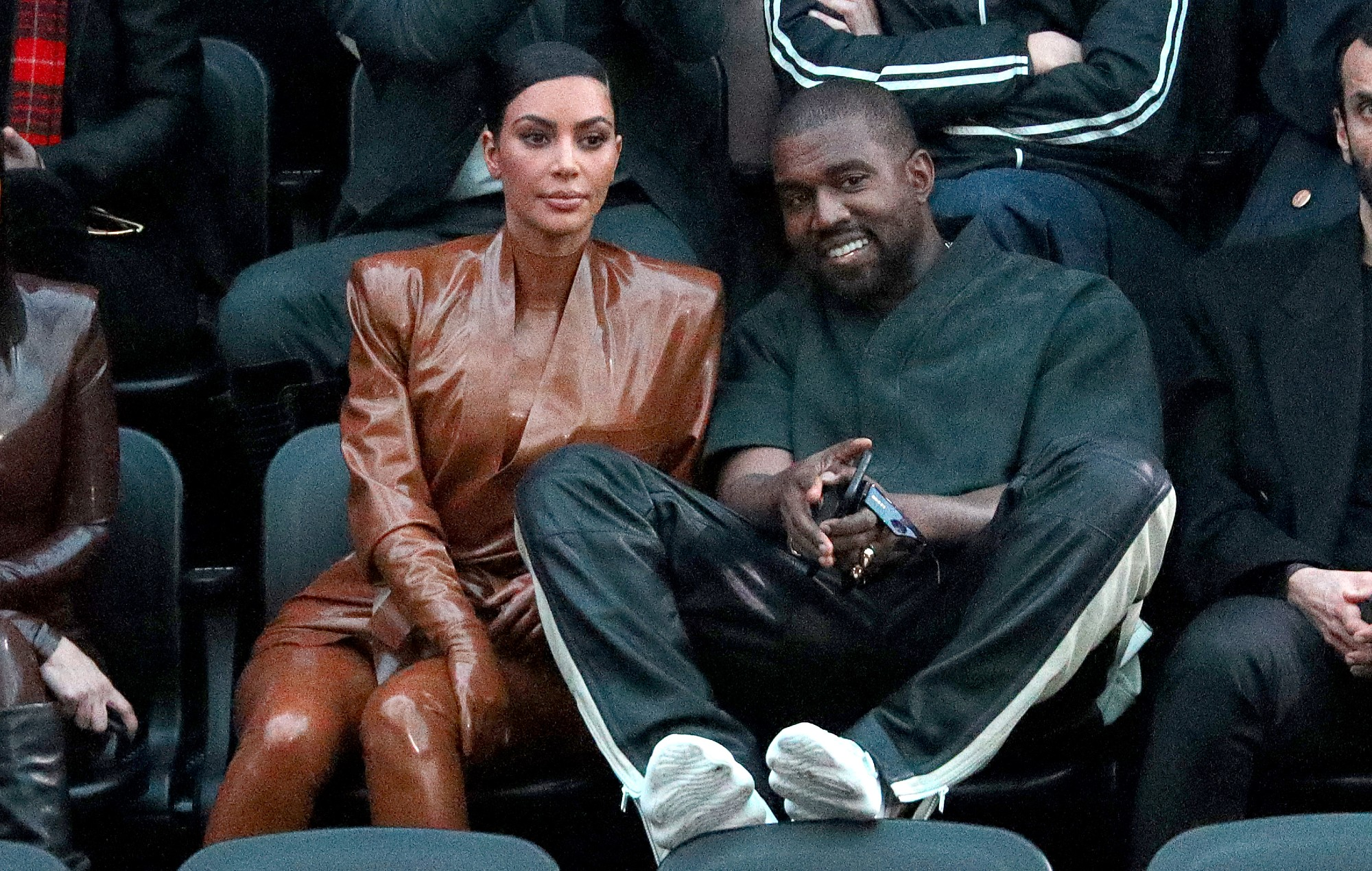 Kanye West Diceraikan Kim Kardashian? Apa Penyebabnya?