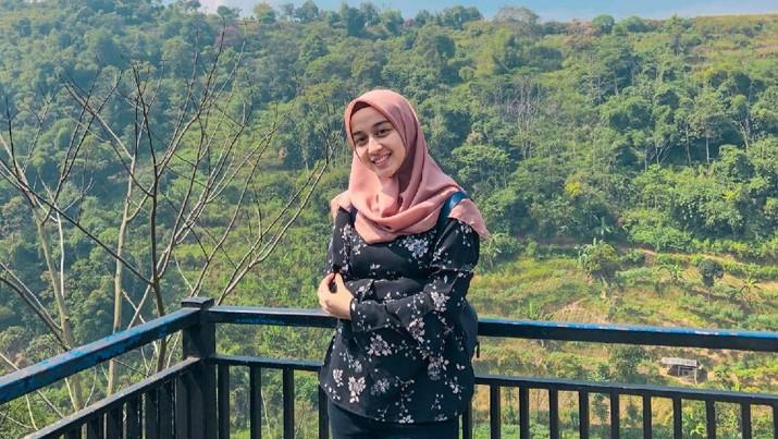Kenalan dengan Maya Nabila, Mahasiswi S3 ITB Termuda dengan Usia 21 Tahun