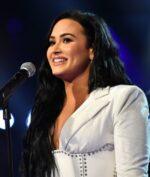 """Demi Lovato Buka Masa Lalunya Lewat Docuseries: """"Dancing With The Devil"""""""