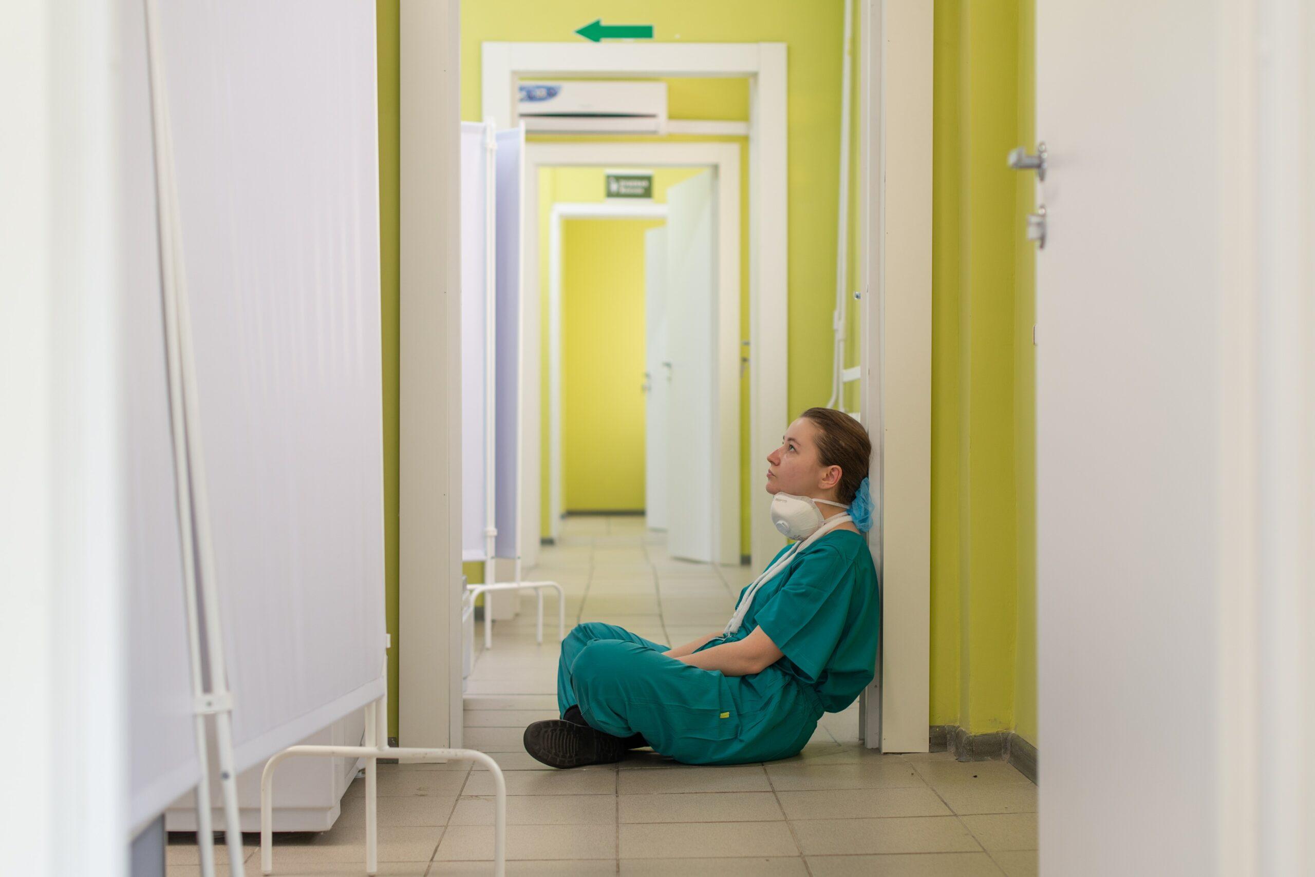 Percobaan Bunuh Diri Pasien COVID-19, Bagaimana Penanganannya?