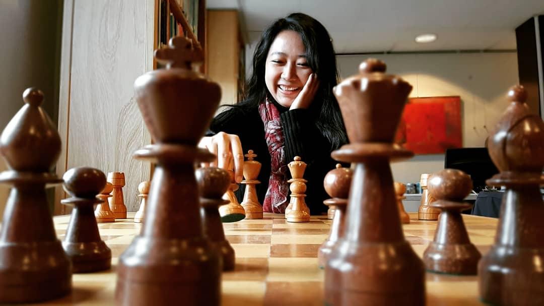 Kenalan dengan Irene Kharisma, Grand Master Catur Perempuan Pertama Indonesia