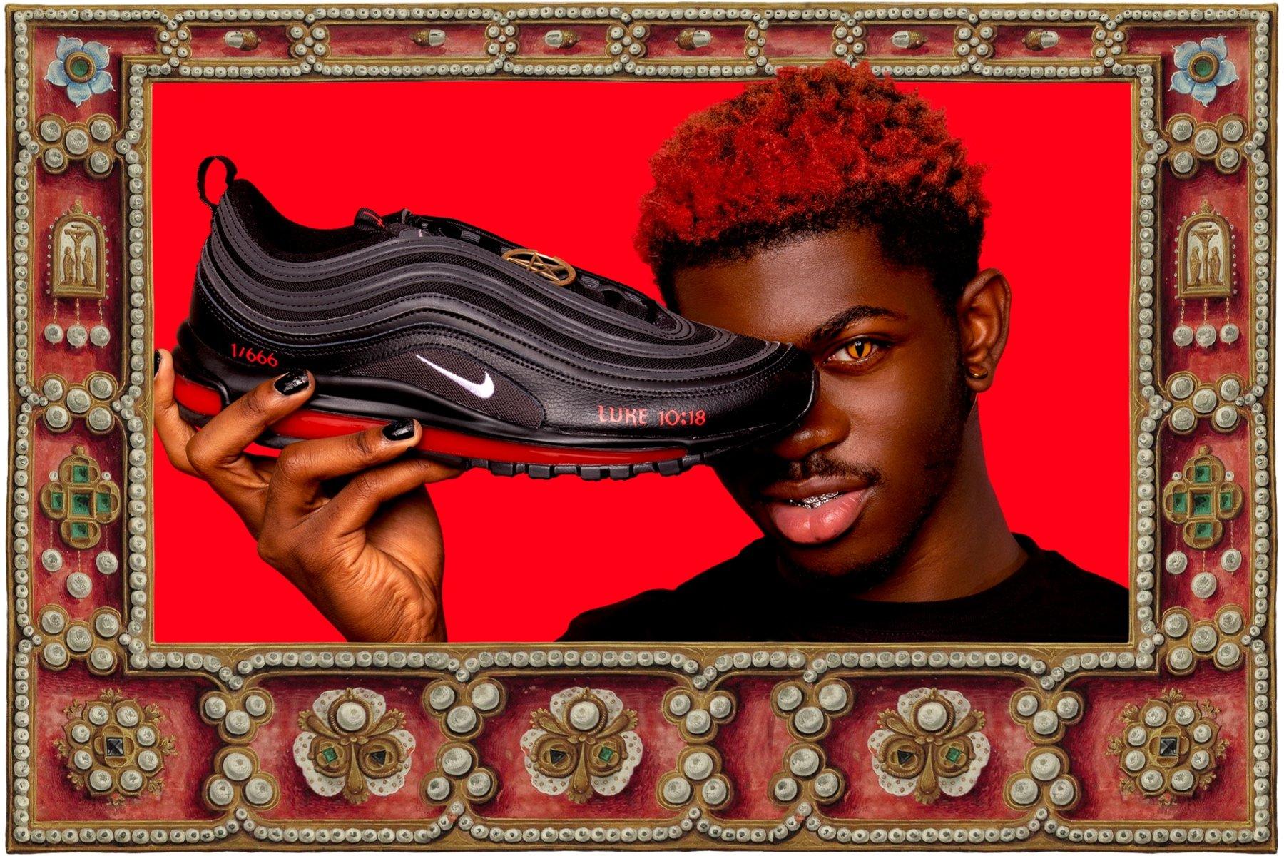 "Lil Nas X Rilis Sneakers ""Satan"" Dengan Darah Manusia!"