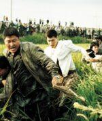 """Bong Joon-ho Filmkan Kisah Pembunuh Berantai Pertama di Korea Selatan di """"Memories of Murder"""