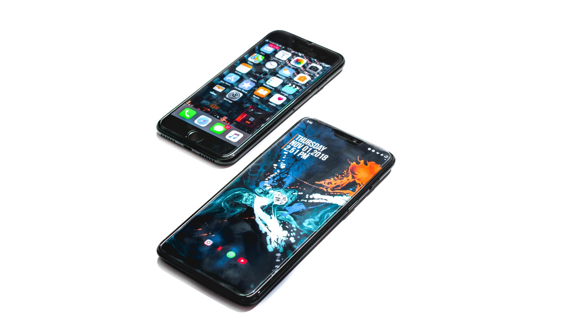 Apple Ingin Semua Orang Gak Pakai Android, Kenapa?