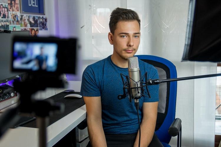 YouTuber Seluruh Dunia Wajib Bayar Pajak ke AS!