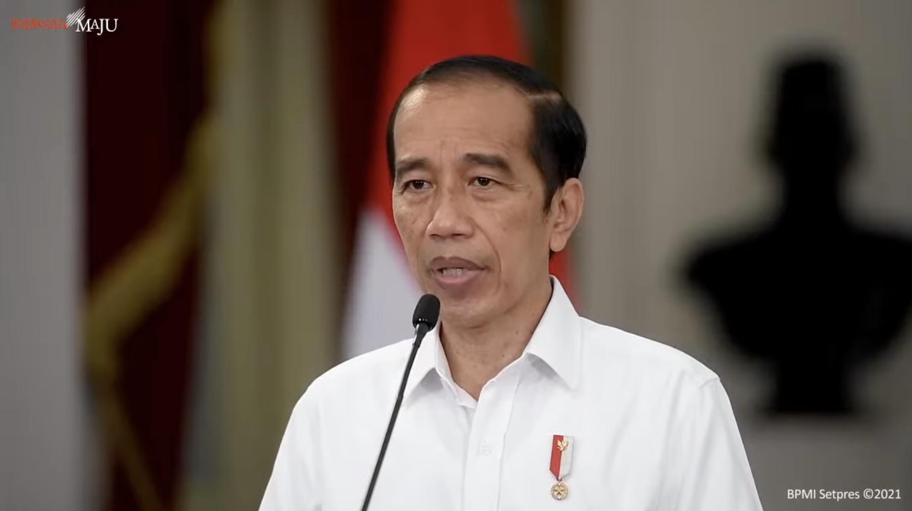 Jokowi di Kanal Sekretariat Presiden