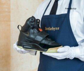 Sneakers Nike Air Yeezy Milik Kanye Berhasil Pecahkan Rekor Jadi Sepatu Termahal