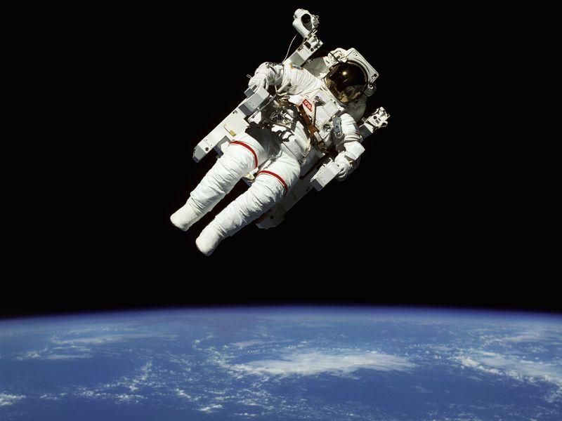 Untuk Pertama Kalinya, NASA Akan Kirimkan Astronot Perempuan ke Bulan