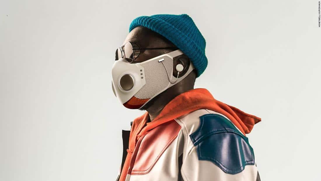"Masker Canggih Buatan Will.iam ""Black Eyed Peas"" Siap Dirilis! Apa Saja Fiturnya?"