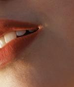 Jelang Hari Raya, Atasi Bibir Kering Lo dengan Tips-Tips Ini!
