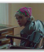 "St. Vincent Rilis Single ""Down"" Jelang Perilisan Album Baru"