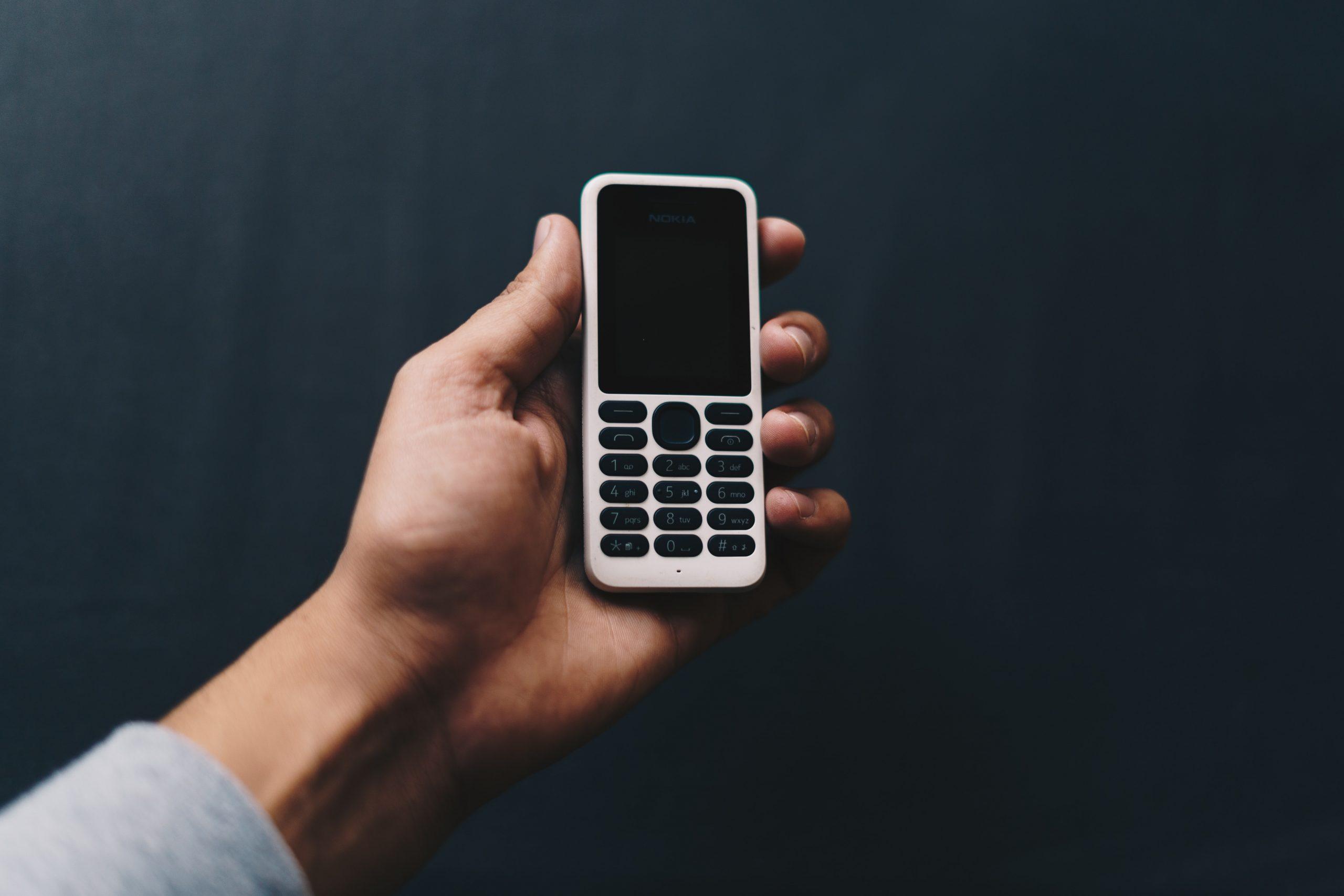 Gen Z Tinggalkan Smartphone dan Kembali Ke HP Jadul, Apa Alasannya?