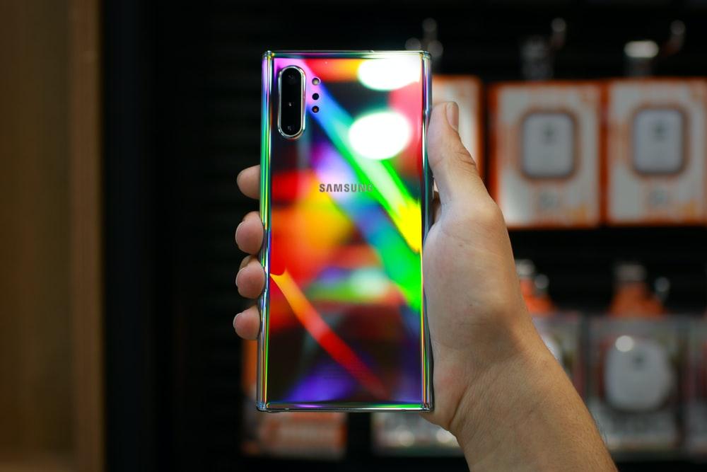Samsung Pamer Layar Lipat Tiga Generasi Baru