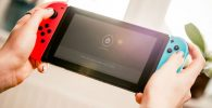 Nintendo Switch Pro akan punya layar 7 inci