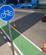 Pesepeda di Jakarta Boleh Pakai Jalur Kanan Pada Jam Khusus