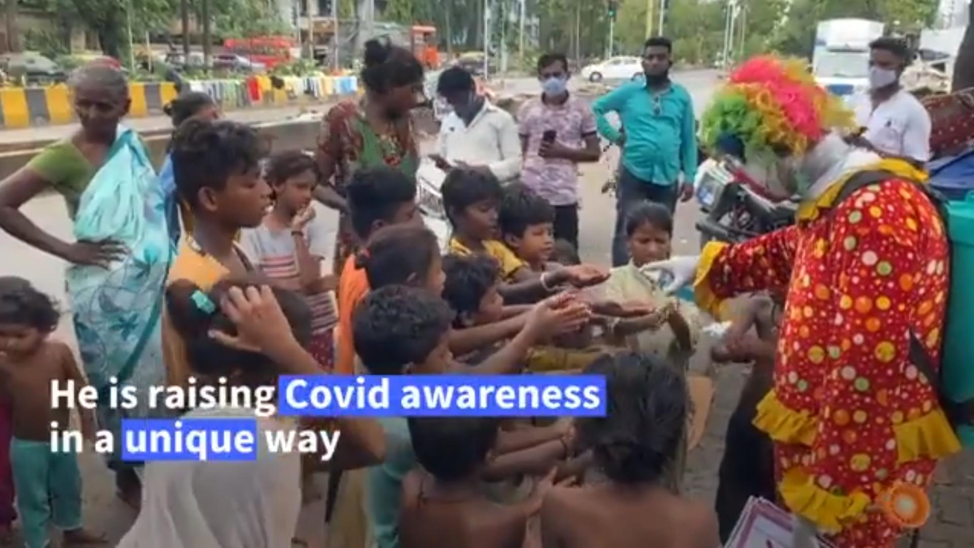Edukasi Covid-19 ke Anak-Anak, Pekerja Farmasi Rela Jadi Badut