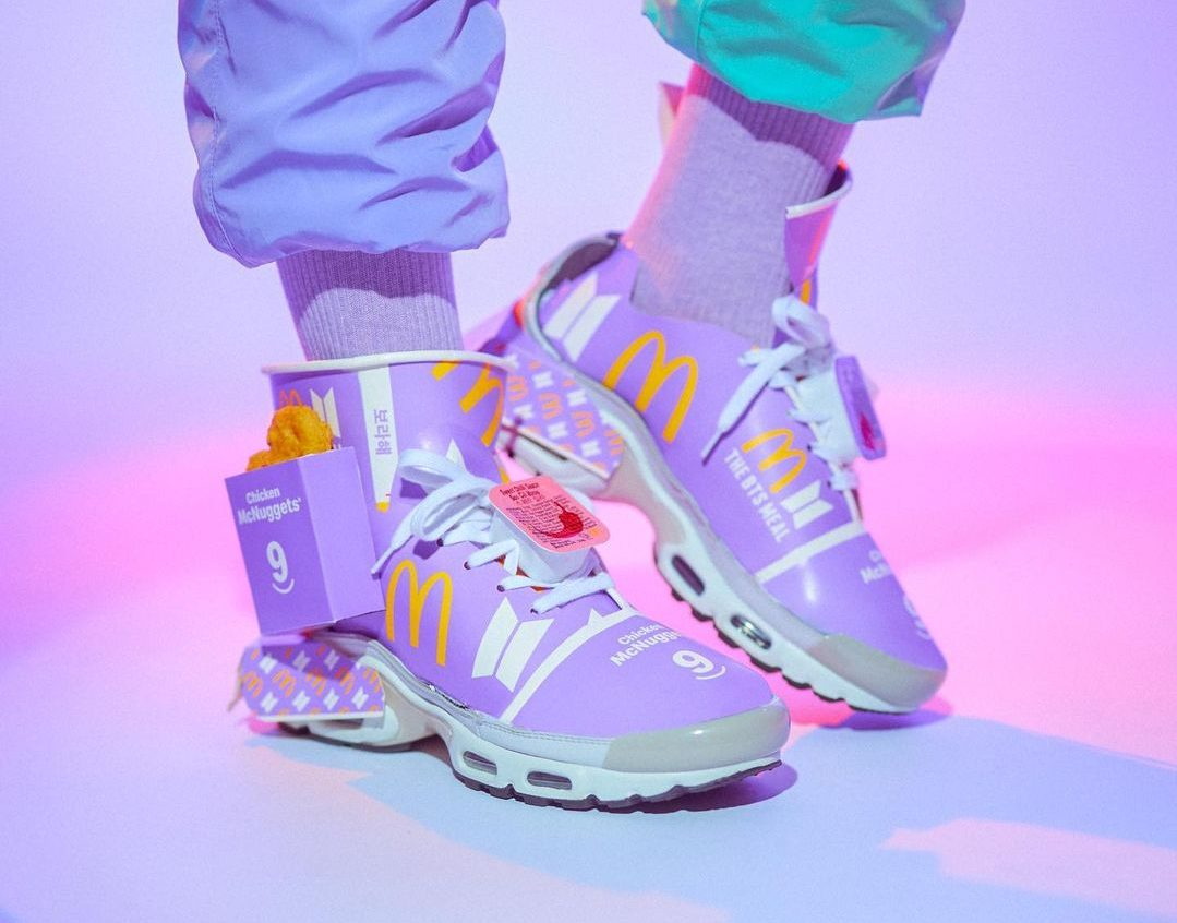 Begini Jadinya Kalo Menu McDonald x BTS Disulap Jadi Sepatu