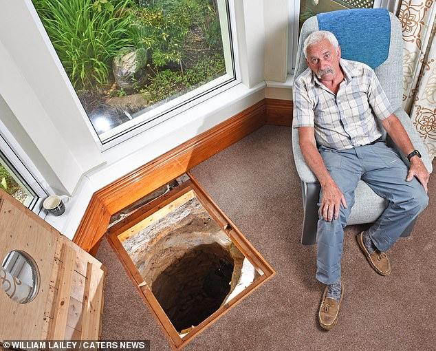 Seorang Kakek Temukan Sumur Kuno di Dalam Rumah, Isinya Tak Terduga!