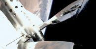 Mau Wisata ke Luar Angkasa? Virgin Galactic Tawarkan Kesempatan Gratis Buat Dua Orang!