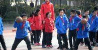 Baru Berusia 14 Tahun, Tinggi Pebasket Ini Capai 2,26 Meter, Jadi Saingan Yao Ming