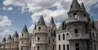 Burj Al Babas, Kota Kosong Berisi Kastil Negeri Dongeng