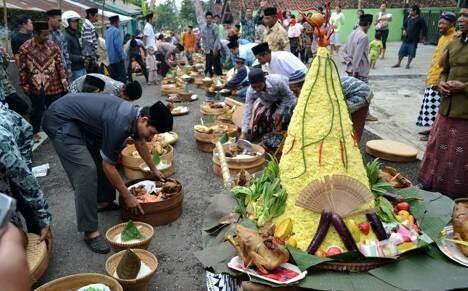 Apitan, tradisi unik dari Semarang