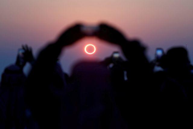 noda di foto Bumi, karena Gerhana Matahari