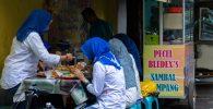 """PPKM Level 4: Boleh """"Dine In"""" di Warung Makan tapi Maksimal 20 Menit, Picu Kontroversi"""