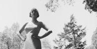 Taylor Swift Rilis Veri Orkestra The Lakes Dalam Rangka Rayakan Folklore