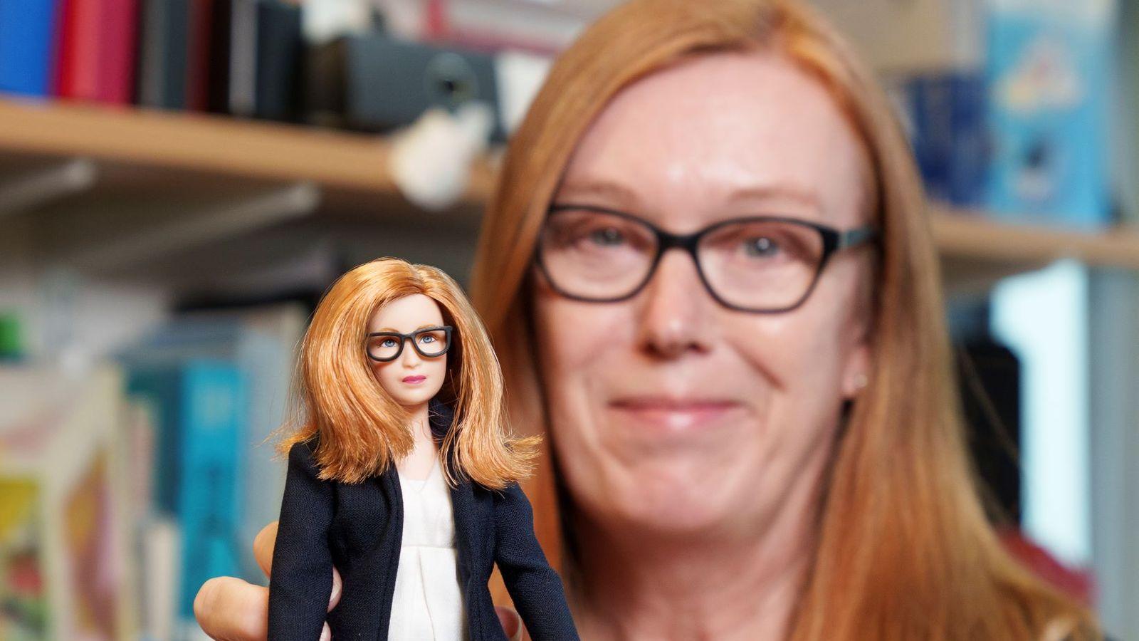 Perempian Penemu Vaksin Covid-19 Diabadikan Dalam Bentuk Barbie