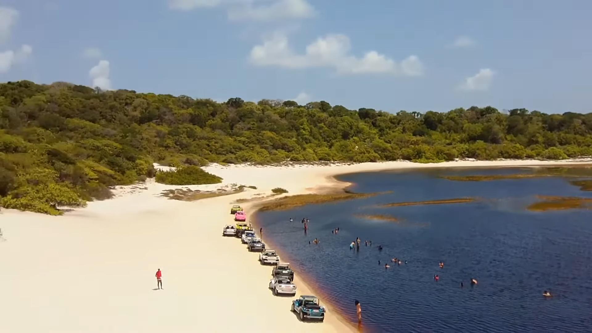 Danau Coca Cola, Tempat Wisata yang Popular Karena Warna Airnya